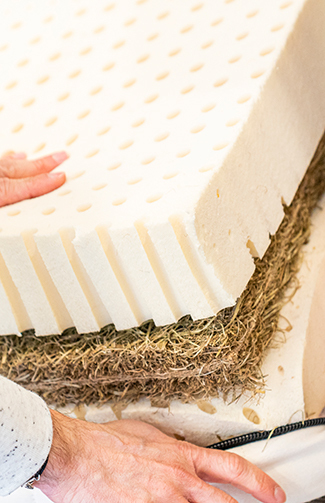 Garnissage d'un matelas en latex naturel Cosme